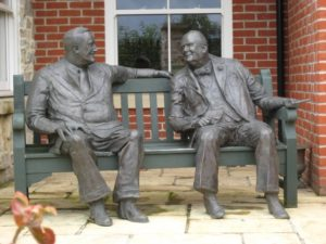 Bronze Statue of Roosevelt and Churchill in conversation